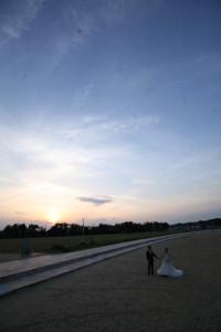 結婚式の後の夕焼け撮影