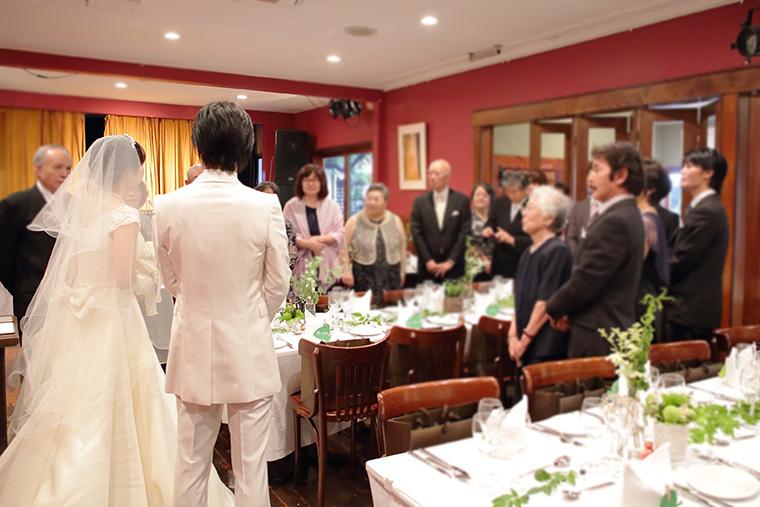 少人数で結婚式