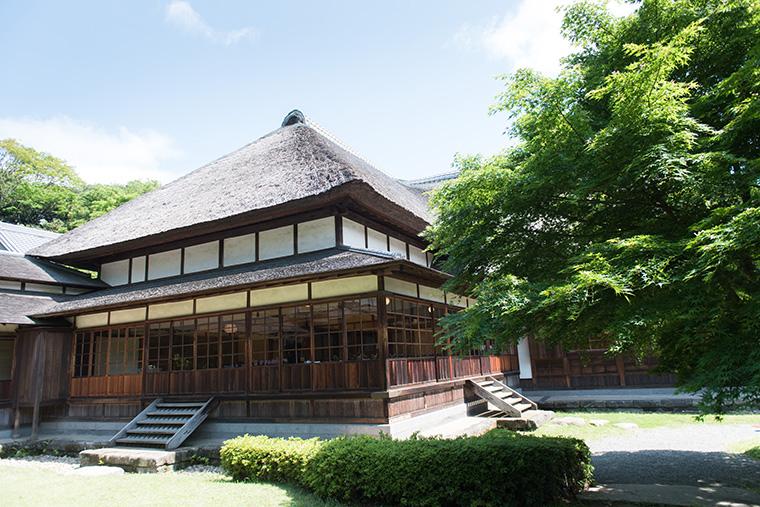 広大な日本庭園内にある純和風の歴史建築三渓園の挙式