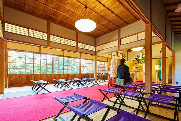 広大な日本庭園内にある純和風の歴史建築 三渓園
