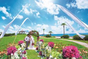 1.青い空と海・ガーデンに包まれたロケーション