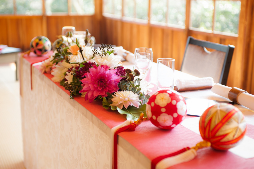 新郎新婦のテーブルもおふたりらしいコーディネートを