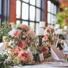 ゲストテーブルのお花にもこだわって…♪