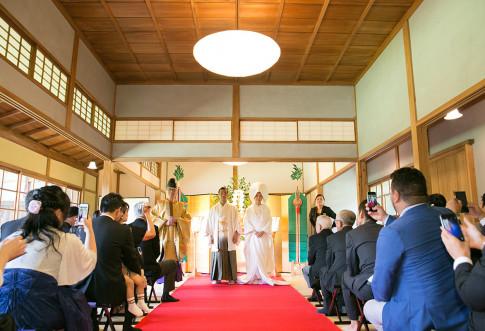 夏の三渓園の結婚式