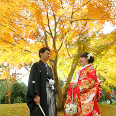 鶴翔閣の紅葉に囲まれての結婚式