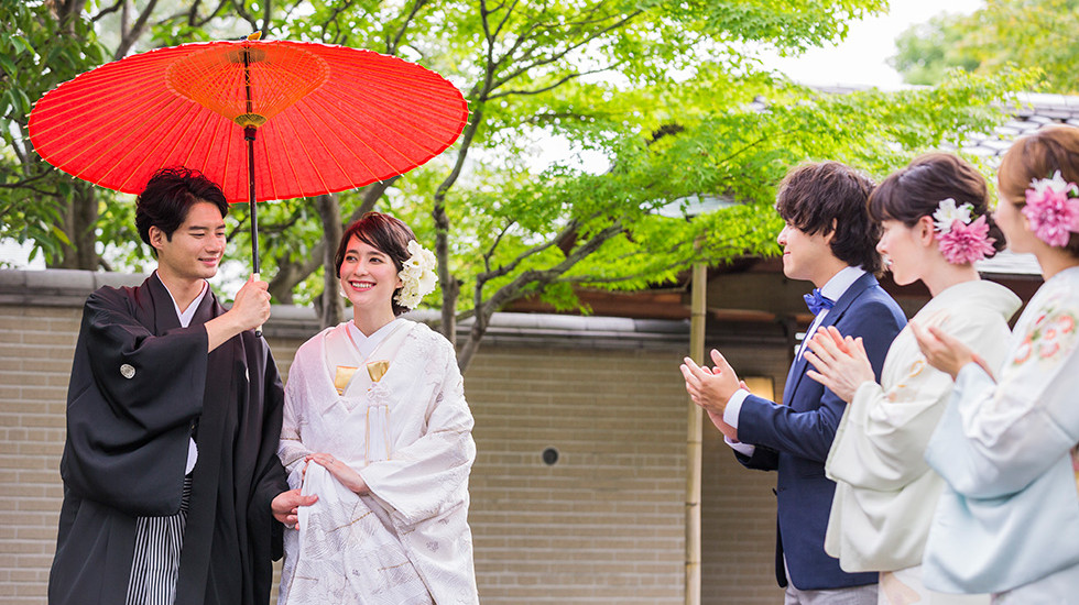 日本庭園の美しさの中で上質な料亭ウエディング