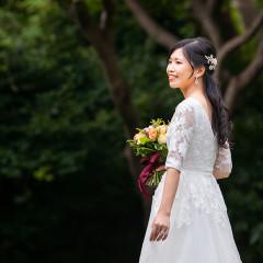 クラシカルで美しい袖付きウエディングドレス