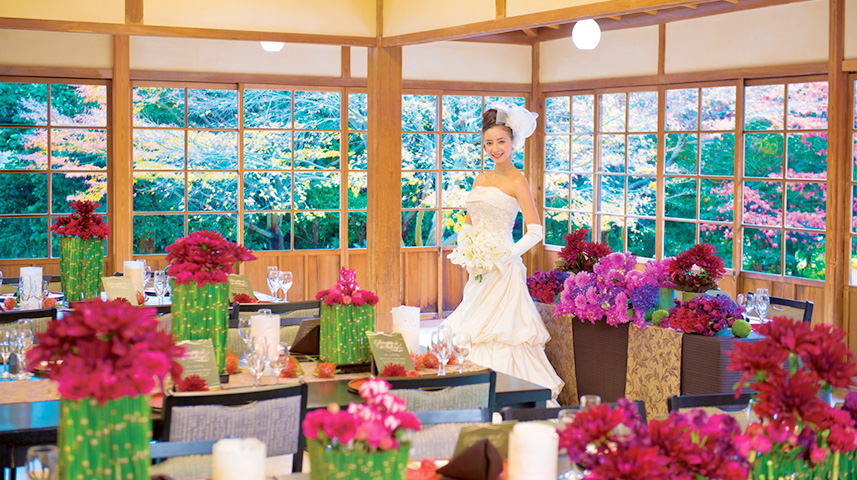 美しい庭園が彩る披露宴会場